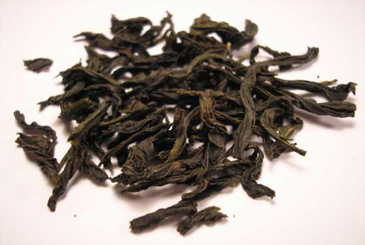 BZC_Oolong_tea_leaf