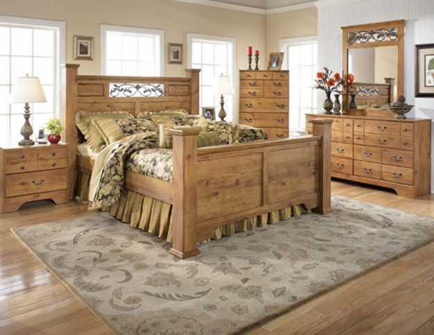 country-tarzı-ahşap-yatak-odası-modeli
