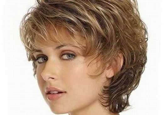 Kısa Dalgalı Saçlar için Saç Modeli