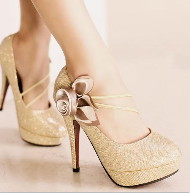 kwoll-altin-dore-renk-topuklu-ayakkabi
