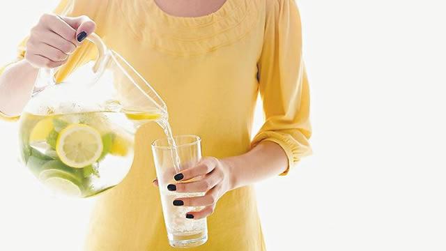 Göbek eritmeye yardımcı limolu su içmenin faydaları